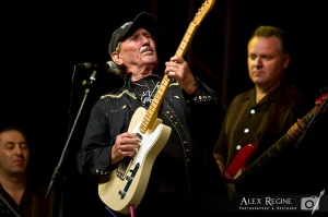 James Burton spelade in originalet med Dale Hawkins. Foto: Alex Regine
